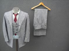 1970s Vintage Three Piece Suit / Men's Three Piece Wool Suit 36 Small / Vintage Wedding / 3 piece Suit / 70s Vintage Mens Windowpane Suit Three Piece Suit, 3 Piece Suits, Windowpane Suit, Suit Vest, Tie And Pocket Square, Wool Suit, Mens Clothing Styles, Mens Suits, Bell Bottoms