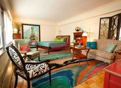 colorful floor rug for small bedroom design