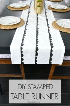 Such and EASY WAY to add some spunk to your table decor! || DIY Scallop Stamped Table Runner
