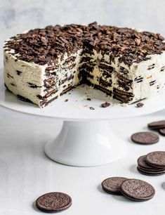 Oreo Baileys fridge cake (plus: how-to video) Icebox cakes are popular in America and are incredibly simple to make – simply layer thin, crisp chocolate biscuits with sweetened whipped cream. Left overnight, the biscuits soften and become 'cake'. Here we've used Oreos and Baileys cream to make ours extra-indulgent. It uses lots of biccies, but it feeds lots of people!