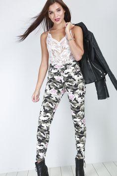 70ad7fc2a415e Esme Floral Camo Print Skinny Jeans