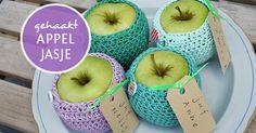 Haak patroon voor het maken van een appeljasje. Leuk om te maken en echt leuk om weg te geven!