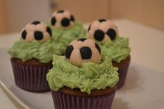 Football Cupcakes Football Cupcakes, Muffins, Desserts, Food, Soccer Cupcakes, Tailgate Desserts, Muffin, Deserts, Essen