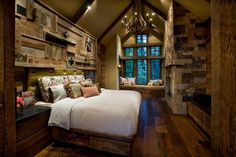 Doesn't this bedroom just make you want to go deep in the woods somewhere and get away from it all for awhile?