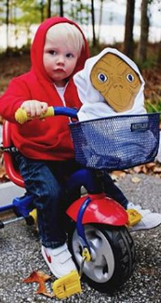 Diy halloween costumes 478366791670379823 - This Little Boy Dressed Up in Homemade Halloween Costumes Will Be Your New Obsession Source by withkidscoffee Halloween Outfits, Unique Toddler Halloween Costumes, Toddler Boy Halloween Costumes, Halloween Look, Baby Halloween Costumes For Boys, Kids Costumes Boys, Diy Halloween Costumes For Kids, Homemade Toddler Costumes, Baby Boy Costumes