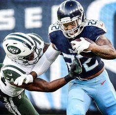 Derrick Henry determined to get more yards vs NYJ. Football Photos, Nfl Football, American Football, Football Players, Football Helmets, Tennessee Titans Football, Derrick Henry, Houston Oilers, Hot Cheerleaders