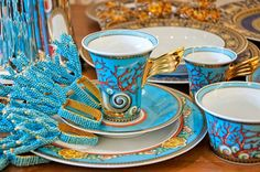 Servizio tavola Les tresors de la mer Versace Home Tableware Versace Pattern, Dining Room Blue, Versace Home, Nautical Home, Shell Art, Elegant Table, China Patterns, Fine China, High Tea