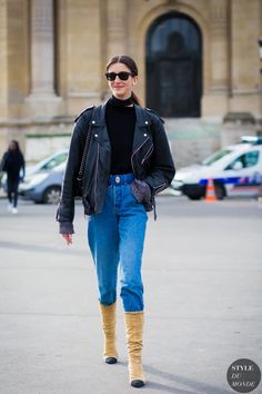 5.-choker-scarf-with-jeans-and-cap-toe-boots