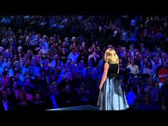 ▶ Jackie Evancho sings 'Pie Jesu' composed by Andrew Lloyd Webber.