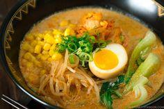 Vegetarian Ramen 豆乳味噌ラーメン Ramen Broth, Shoyu Ramen, Ramen Soup, Noodle Soup, Ramen Miso, Vegetarian Ramen Recipe, Vegan Ramen, Easy Japanese Recipes, Asian Recipes