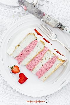 Strawberry cake 'heaven'