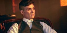 male actors over 40 Cillian Murphy -That's right, ladies and gents. Top 5 is here to pay respects (i., do a TON of ogling) at the men of Hollywood who keep getting better and better. Keep reading to see which male actors over 40 made our top 25 list. Hollywood Male Actors, Peaky Blinder Haircut, Peaky Blinders Tommy Shelby, Shirt Collar Styles, Cillian Murphy Peaky Blinders, Collar Tips, Wide Face, Cutaway Collar, Great Tv Shows