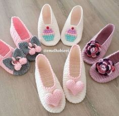Good morning 🙋♀️ Good week🤗 Tamda p . Good morning 🙋♀️ Good week 🤗 If it is time for you to knit booties, let me continue without slowing down in Let your sentence come easy. Please order DM. Knitted Booties, Booties Crochet, Crochet Slippers, Crochet Baby Shoes, Love Crochet, Knit Crochet, Baby Knitting Patterns, Crochet Patterns, Crochet Slipper Pattern