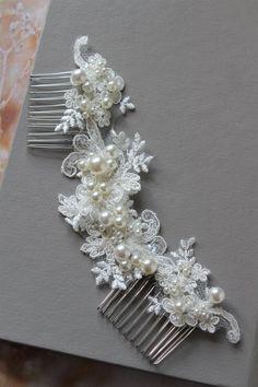 Awaytr Fashion Crystal Headwear Sunflower Hair Comb Hair Jewelry Wedding Bride Floral Hairpins Women Hair Accessories Headdress Apparel Accessories