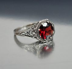 Vintage Sterling Silver Filigree Garnet Ring Size 6.5