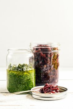 From the Kitchen I Basil Pesto and Onion Jam - the cooking secret weapons