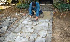 Guide : comment faire une allée en pierre naturelle