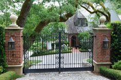 landscape details_iron gates with brick.jpg (800×535)