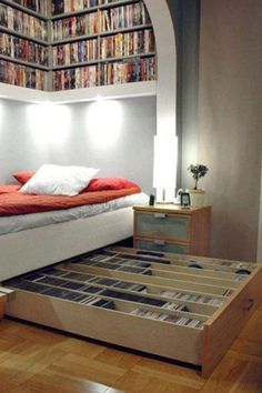 Small bedroom = big storage