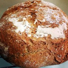 Pan de centeno, espelta y nueces. No me gusta que sólo ponga el método Termomix, pero se ve bueno y habrá que hacerlo artesanal, si?