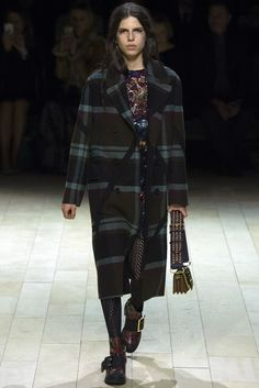 Burberry | Fall 2016 Ready-to-Wear Collection | Vogue Runway