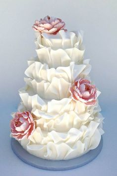 If you ask me what cake design is the cutest one, I'd say – ruffled! Ruffled cakes are the most romantic and beautiful ones for every type of wedding, such a cake not only looks as a masterpiece but also tastes the same! Ruffles can be of any color. Wedding Cake Photos, Beautiful Wedding Cakes, Gorgeous Cakes, Wedding Cake Designs, Pretty Cakes, Amazing Cakes, Cake Wedding, Ruffled Wedding Cakes, Unique Wedding Cakes