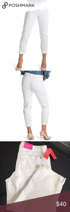 Flash sale 🚨SPANX slim x casual Capri white jeans Spanx puts the skinny in your capris jeans. Made of cotton/polyester/spandex. Since I gave birth, I live in Spanx .I Ordered 2 diff sizes of these jeans from a lovely posh lady and now selling the one that didn't fit. It's brand new. Original price is $118 SPANX Pants Capris
