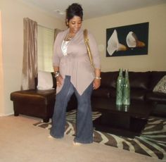 Love this easy outfit!  Cardigan and flare jeans.  #plus #size #fashion