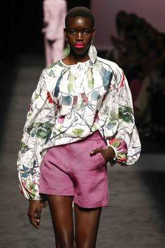Fashion 2020, Runway Fashion, High Fashion, Fashion Show, Fashion Outfits, Fashion Design, Moda Madrid, Pretty Outfits, Pretty Clothes