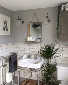 Metro Flat Tiles - Samples from Metro Flat White Gloss Wall Tiles Cottage Bathroom, Bathroom Interior, Small Bathroom, Loft Bathroom, Bathroom Decor, Budget Bathroom, Small Bathroom Renovations, White Bathroom, Downstairs Toilet