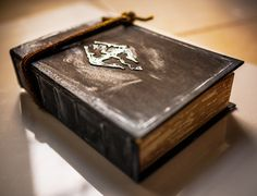 Hey, I found this really awesome Etsy listing at http://www.etsy.com/listing/160622941/skyrim-travelers-journal-secret-book-box