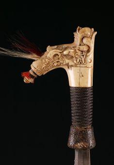 INDO537: Dayak Mandau Sword Swords And Daggers, Knives And Swords, Sword Hilt, Martial Artist, Bone Carving, Deer Antlers, Borneo, Philippines, Knives