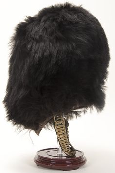 BLACK BEARSKIN HAT FROM A BRITISH LT. COLONEL'S SCOTS GUARDS UNIFORM Bullion Embroidery, British Uniforms, Red Feather, Gold Bullion, News Boy Hat, Collar And Cuff, Military History, Military Fashion, Headdress