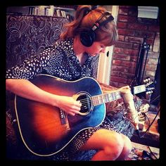 Taylor Swift recording RED
