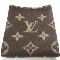 8a7fa91c5d07 Louis Vuitton blanket Louis Vuitton Collection