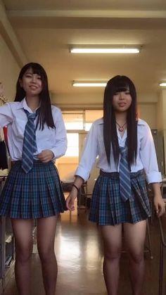 Japanese School Uniform Girl, School Girl Japan, School Girl Dress, Girls Short Dresses, Cute Girl Dresses, Girls In Mini Skirts, Young Girl Fashion, Korean Girl Fashion, Cute School Uniforms