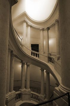Francesco Borrormini designed this staircase for Palazzo Bernini. An oval oculus allows light to spill down over the sweeping stair creating the dramatic chiaroscuro so loved by artisans of the Baroque. Baroque Architecture, Architecture Details, Interior Architecture, Baroque Design, Stair Steps, Stairway To Heaven, Romantic Homes, Chiaroscuro, Beautiful Buildings