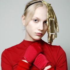 """Modeconnect.com features work by Katia Babenko from the Omsk """"Fashion Formula: East – West competition (2007)"""