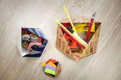 Auf der Suche nach einer Idee Eure Geschenke kreativ zu verpacken? Mit dieser originellen Geschenkschachtel seid Ihr da auf dem richtigen Weg! Geschenkschachtel, Geschenkbox, selbermachen, DIY, Geschenk, Gift wrapping, Dreiecksbox, Triangle box