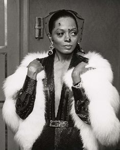 "Diana Ross Shares Her Diva Beauty Rules, From Dark Sunglasses to a Signature Scent That ""Sings"""