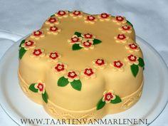 Bloemetjes taart