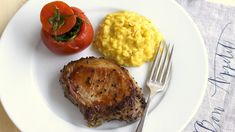 Hauptgang-Teller. Risotto, Mashed Potatoes, Steak, Grains, Teller, Rice, Ethnic Recipes, Food, Recipies