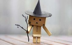 That Little Cardboard Box Robot is Known as Danbo – Laura the Canadian Explorer Danbo, Spooky Halloween, Happy Halloween, Cardboard Robot, Box Robot, Amazon Box, Glinda The Good Witch, Wicked Witch, Halloween Wallpaper