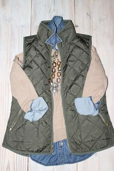 Puffer Vest for My Style ~ Fall & Winter J. Crew inspired outfit, old navy vest, sassy steals necklace, loft sweater, and banana republic denim shirt Fall Winter Outfits, Winter Wear, Autumn Winter Fashion, Winter Style, Sweater Weather, Looks Style, Style Me, The Cardigans, Pijamas Women