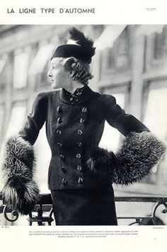 Schiaparelli (Couture) 1935 Photo Anzon, Suit with Buttons in the shape of tortoises