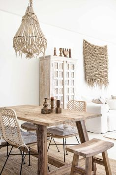 Handmade Home Decor 66188 A sand-colored apartment with a sea view - PLANETE DECO a homes world Interior Design Living Room, Living Room Decor, Decor Room, Decoration Chic, Home And Deco, Handmade Home Decor, Ethnic Home Decor, Dining Room Design, Home Decor Furniture