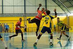 """A equipe piracicabana enfrenta os representantes da casa, o IHC Indaiatuba a partir das 9 horas, em confronto marcado para o Centro Esportivo """"Rêmulo Zoppi"""""""