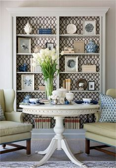 Our Top 5 Tips for Styling Bookcases beautifully, to help you welcome your Thanksgiving guests, today, on Hadley Court! #homelibrary