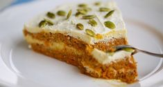 Raw carrot cake for vegan - Shutterstock Premier Raw Carrot Cakes, Raw Vegan, French Toast, Sweet Treats, Vegan Recipes, Pie, Breakfast, Cupcakes, Vegane Rezepte