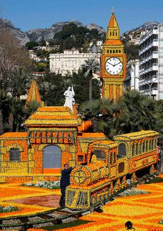 Fête du Citron: the lemon festival in Menton. Just imagine how many hours go into putting these amazing 'props' together and how many lemons are used in the process! Menton in the Provence region of France is the place to be, between 16 February and 6 March 2013
